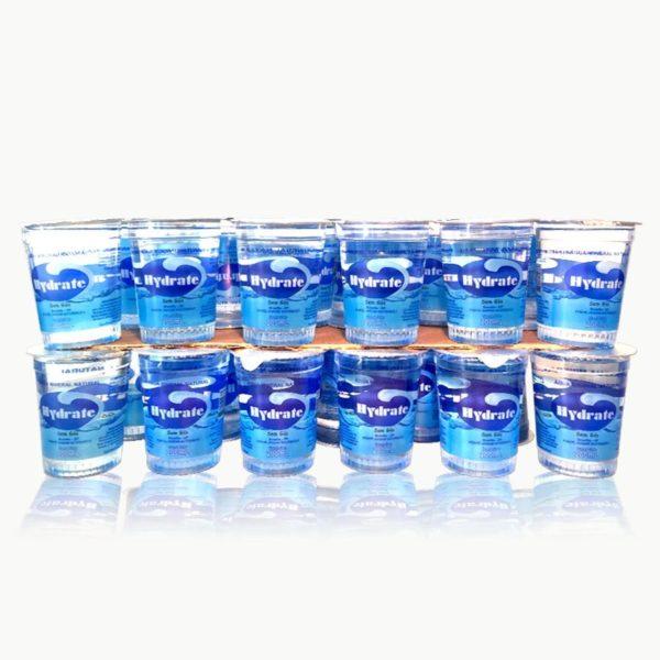 Copinho de água mineral 200 ml. Caixa com 48 unidades.